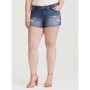 {Torrid} 🆕 Distressed Denim Shorts